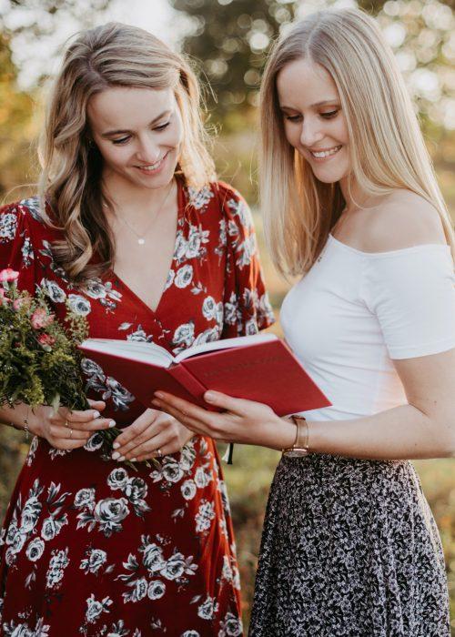 Sabrina und Larissa